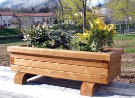 jardineras en madera preparadas para exterior